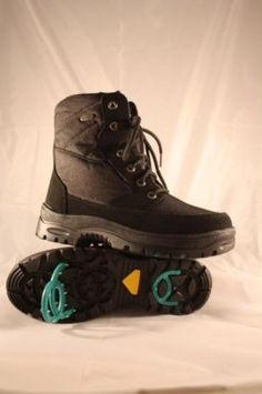 Today's top offer: Womens winter boots with spikes - only 36,50 Euro per pair.