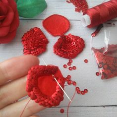 Bead Embroidery Tutorial, Bead Embroidery Patterns, Tambour Embroidery, Couture Embroidery, Bead Embroidery Jewelry, Embroidery Hoop Art, Fabric Jewelry, Ribbon Embroidery, Embroidery Designs