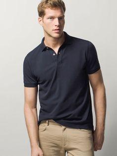 Khaki Pants Outfit, Polo Shirt Outfits, Polo T Shirts, Moda Casual, Business Casual Outfits, Mens Fashion, Fashion Outfits, Stylish Men, Rotary