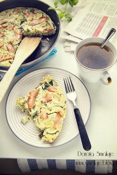Omlet z cukinia i łososiem Food Cakes, Cake Recipes, Menu, Chicken, Diet, Cakes, Menu Board Design, Mudpie, Menu Cards