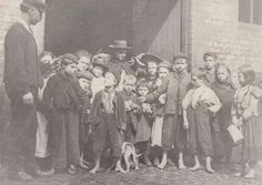 Liverpool children Liverpool Town, Liverpool Docks, Liverpool History, Liverpool England, Old Photos, Vintage Photos, King John, Salford, Modern Metropolis