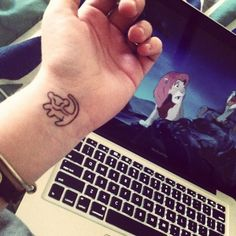 I really want this tattoo but with colour either on my foot/wrist/ shoulder :D