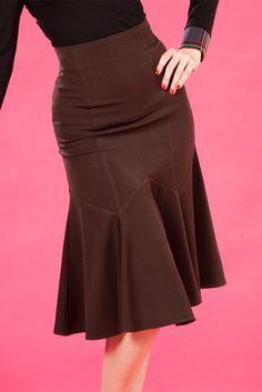 petal effect skirt Blouse And Skirt, Dress Skirt, Cute Skirts, Cute Dresses, Modest Fashion, Fashion Dresses, Jeans Rock, African Print Fashion, 1940s Fashion