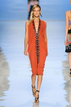 Etro at Milan Fashion Week Spring 2012 - Runway Photos