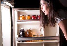 Los peores alimentos que se pueden comer en la noche - Mejor Con Salud