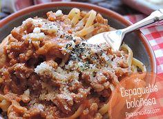 La salsa boloñesa es sin duda una de las salsas más conocidas y apreciadas de la cocina italiana y es un gran acompañamiento para la pasta o como relleno d