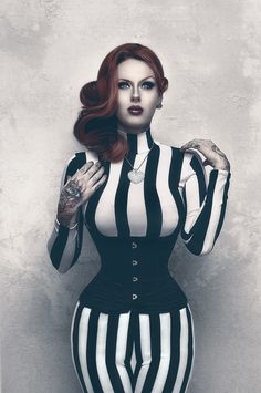 Maegan Machine. God, she's gorgeous! Love the whole look but I especially adore her hair.
