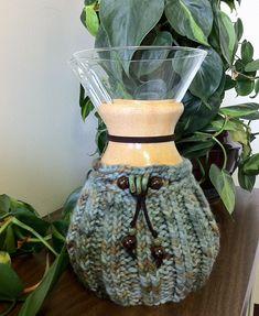 Ravelry: Wood Collar Chemex Coffeepot Cozy pattern by Kathy Miller
