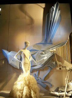 A Bergdorf Goodman window display Window Display Design, Store Window Displays, Retail Windows, Store Windows, Design Presentation, Display Boxes, Display Ideas, Exhibition Display, Visual Display