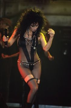 "Today is Their Birthday-Musicians: May ""Goddess of Pop"" Cher is Girl Bands, Beautiful Celebrities, Beautiful People, Cher Costume, Foto Glamour, Cher Photos, Angelina Jolie Style, Divas, Cher Bono"