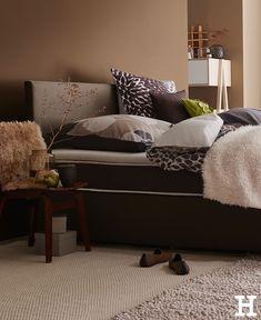 Wenn es draußen kälter wird, kuscheln wir uns einfach ins Bett. #meinhöffi Hygge, Lounge, Couch, Bed, Furniture, Ideas, Home Decor, Chair, Cuddling