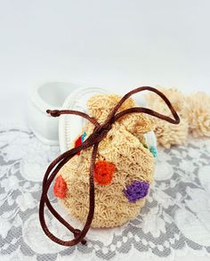 by Rocreanique on Etsy Fabric Gift Bags, Coin Bag, Jewellery Storage, Small Gifts, Crochet Flowers, Dried Flowers, Pouches, Handmade Jewelry, Fancy