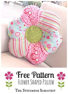 Sewing Cushions - Accent your little girl's room with this easy flower shaped pillow pattern using sewing scraps and 30 minutes. Sewing Hacks, Sewing Tutorials, Sewing Crafts, Sewing Tips, Sewing Ideas, Sewing Pillows, Diy Pillows, Decorative Pillows, Patchwork Quilt