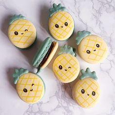 Juisy | Pineapple Macarons