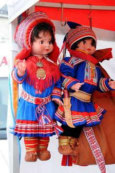 Dolls in Saami national costumes, Tromsø / Norway