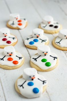 These melted snowman cookies are the perfect treat for a snowy winter's day when you're wishing it was spring!