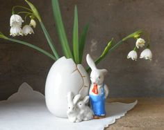 Vintage Ceramic Egg Vase with Rabbit Bunnies Porcelain from Japan Easter Decorations Spring Home Decor Small Planter Table Centerpiece by RosaMeyerCollection on Etsy https://www.etsy.com/listing/269415116/vintage-ceramic-egg-vase-with-rabbit