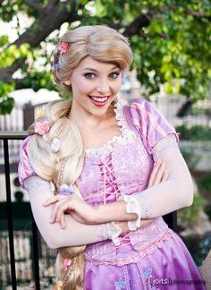 Disney Cosplay at its best! Sora at Disney World! Rapunzel Makeup, Rapunzel Costume, Rapunzel Dress, Disney Rapunzel, Princess Rapunzel, Princesa Disney, Disney Fairies, Tangled Rapunzel, Princess Bubblegum