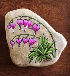 Creative DIY Ideas to Make Painting Rock for Valentine Decorations – Rockindeco Creative diy painting rock for valentine decoration ideas 33 Pebble Painting, Pebble Art, Stone Painting, Diy Painting, Mandala Painting, Rock Painting Patterns, Rock Painting Ideas Easy, Rock Painting Designs, Painting Templates
