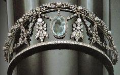 Diamond and aquamarine tiara.not that I need a tiara but it's pretty lol Royal Crowns, Royal Tiaras, Tiaras And Crowns, Hair Jewelry, Fine Jewelry, Antique Jewelry, Vintage Jewelry, Aquamarine Jewelry, Royal Jewelry