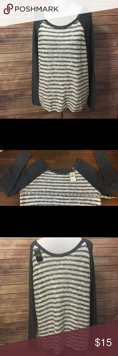 Hollister white/grey striped knit shirt Size: small (see pictures for measurements) Hollister Tops Sweatshirts & Hoodies