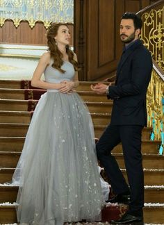 Elcin Sangu and Baris Arduc Turkish Beauty, Turkish Fashion, African Prom Dresses, Elcin Sangu, Hooded Winter Coat, Movies And Series, Hot Actors, Turkish Actors, Beautiful Couple