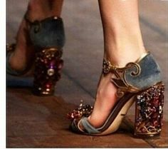 Dolce & Gabanna runway shoes #baroque