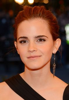 Emma Watson's New Haircut Proves She Can Pull Off Just About Anything | HuffPost