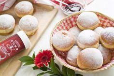 RECEPT - Bezlepkové koblihy pro celiaky Pavlova, Gluten Free Desserts, Sweet Treats, Cheesecake, Low Carb, Bread, Baking, Breakfast, Brownies