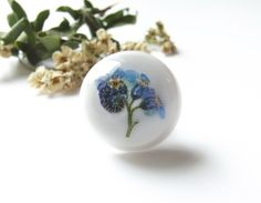 Forget me not real flower brooch in white. - Jean