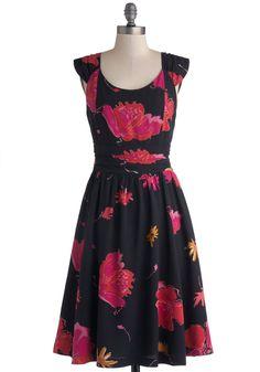 I Salut You Dress. Cheers to the lovely lady wearing this black BB Dakota dress! #black #modcloth