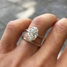 Diamond Wedding Rings Hailey Baldwin Engagement Ring Get the Look - Oval engagement rings have been getting more and more popular over the last few years, but now that Justin Bieber put an oval ring on it, it's going to be hugeeee for brides Wedding Rings Simple, Wedding Rings Solitaire, Beautiful Wedding Rings, Wedding Rings Vintage, Bridal Rings, Vintage Engagement Rings, Unique Rings, Wedding Jewelry, Solitaire Diamond