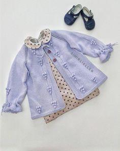 """1,040 Beğenme, 34 Yorum - Instagram'da Sihirlieller ♥ (@sihirliellerorgu): """"../Günaydınnn , yine Tülin hanımın siparişlerinden olan, lila hırkamızla hepimize güzel bir hafta…"""" Knitted Baby Outfits, Knitted Baby Cardigan, Baby Girl Patterns, Baby Knitting Patterns, Baby Girl Sweaters, Baby Wearing, Clothing Patterns, Diy Clothes, Baby Dress"""