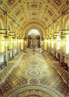 ! St Georges Hall , Liverpool