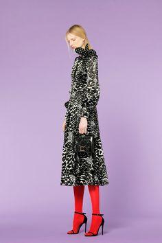 Andrew Gn Pre-Fall 2018 Fashion Show Collection Autumn Fashion 2018, Vogue Russia, Fashion News, Fashion Trends, Fashion Show Collection, Fall 2018, Beautiful Outfits, Female Models, Editorial Fashion