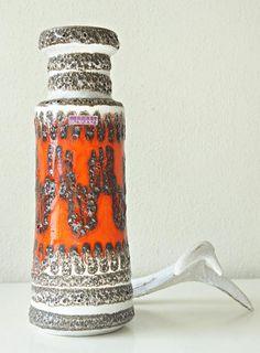 Bekijk dit items in mijn Etsy shop https://www.etsy.com/nl/listing/551652896/fat-lava-vase-made-by-scheurich-wgp-mid