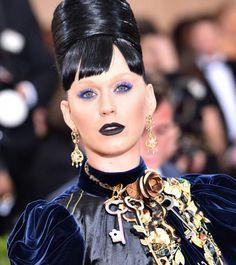 Tiefe Demütigung:Katy Perrys Freund Orlando Bloom spielt augenscheinlich ein falsches Spiel.