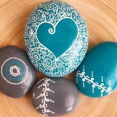 valentine paint rock   romantic valentine painted rock DIY for girl   love painting rock for valentine decoration ideas   heart painted rock #handpainted