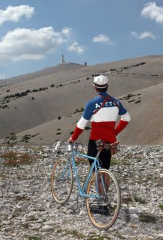 Mont Ventoux 3 x in one day ! Cycling Art, Road Cycling, Cycling Bikes, Velo Retro, Retro Bike, Vintage Biker, Look Vintage, Mtb, Classic Road Bike