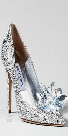 Jimmy Choo ♥✤ Cinderella Glass Slipper Interpretation- Looks more like Elsa's shoe!!!