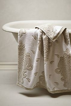 Harcourt Towel Collection