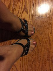 Comfy sandals (jenny_abq) Tags: pantyhose toes feet sandals wedge heels nylons