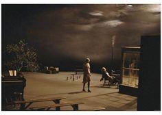 [b] BR BR BR[ Dogville ] BR BR BRDireccin y guin:[/b] Lars von Trier. BR[b]Pases: [/b]Dinamarca, Suecia, Francia, Noruega, Holanda, Finlandia, Alemania, Italia, Japn, USA y Reino Unido. BR[b]Ao:[/b] 2003. BR[b]Duracin: [/b]177 min. BR[b]Interpretacin:[/b] Nicole Kidman (Grace), Harriet Andersson (Gloria), Lauren Bacall (Ma Ginger), Jean Marc-Barr (El hombre del