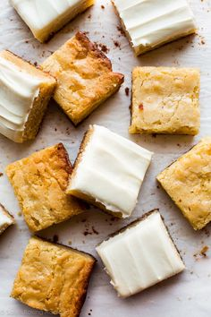 Instead of chocolate, try these homemade 1 bowl white chocolate brownies next time. White Chocolate Brownies, Chocolate Cream Cheese, Mint Chocolate, Chocolate Desserts, Chocolate Chips, Köstliche Desserts, Delicious Desserts, Dessert Recipes, Cake Recipes