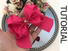 🎀 Laço Klaudia - Fita n 9 - DIY hair ribbon bow Ribbon Hair Bows, Diy Hair Bows, Diy Bow, Diy Ribbon, Hair Bow Tutorial, Boutique Hair Bows, Bow Design, Making Hair Bows, Diy Headband