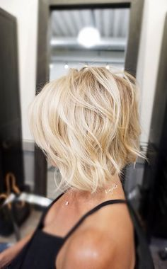 Short Blonde Bob Textured