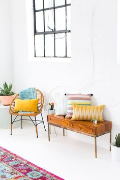 Home Decor DIY's : How decorate a joyful and modern dining room for Summer! #diningroom #modern #homedecor #contemporary -Read More –