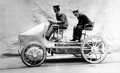 Ferdinand Porsche developed the world's first hybrid car, the Lohner-Porsche Semper Vivus ...
