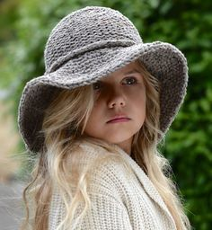 knitting pattern freelyn brim hat small medium large and xlarge sizes - The world's most private search engine Knitting For Kids, Loom Knitting, Free Knitting, Knitting Projects, Baby Knitting, Knitting Machine, Diy Tricot Crochet, Knit Or Crochet, Crochet Hats