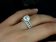 Dear friend who will help pick out my ring someday: no halo, baby diamonds on the band.